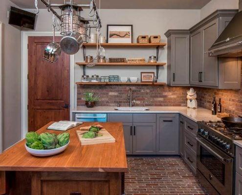 серая-кухня-в-интерьере