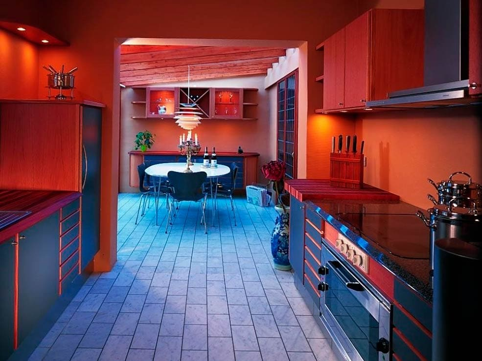 красно-синяя-кухня