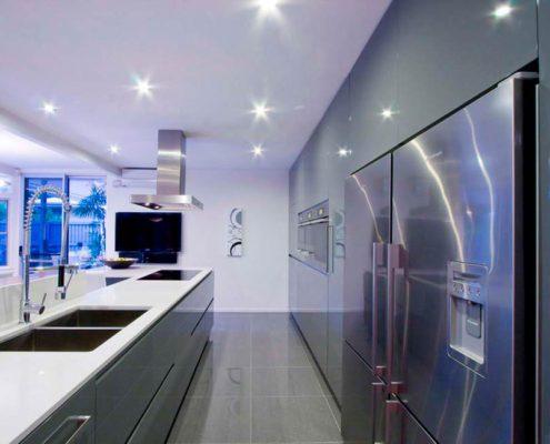 освещение-на-кухне-хай-тек
