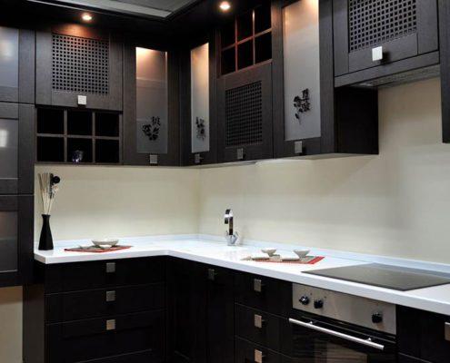 чёрная-кухня-японский-стиль