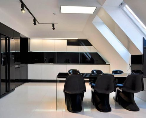 кухня-чёрно-белая-глянец