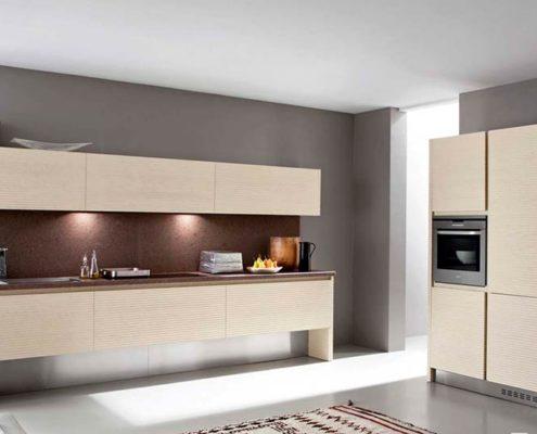 кухня-минимализм-с-пеналом
