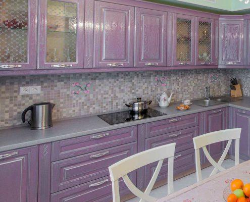 лиловая-кухня-классика