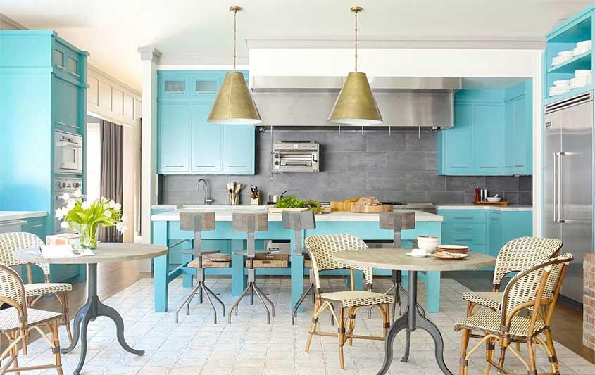 плетёные-стулья-на-кухне