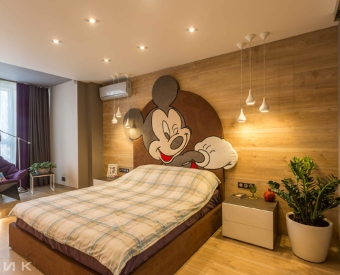 Кровать с микки маусом