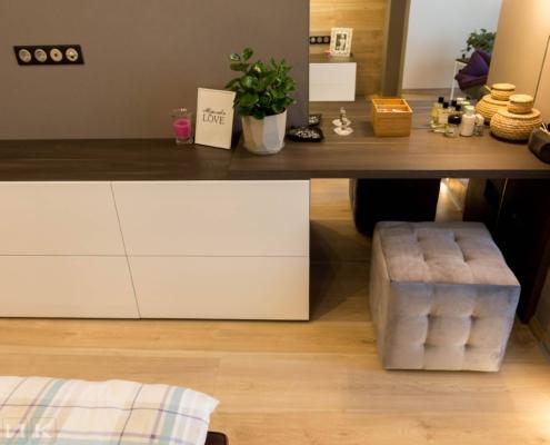 Комод с столиком в стиле минимализм