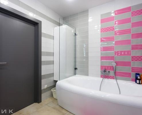 Подвесной пенал в ванной комнате