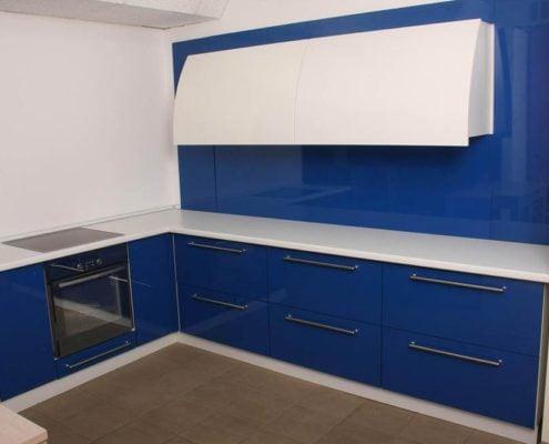 бело-синяя-кухня