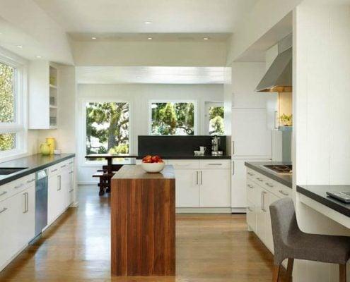 линейная-кухня-в-частном-доме