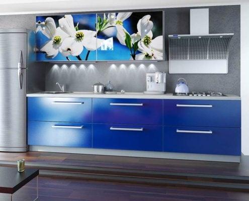 синяя-кухня-с-фотопечатью