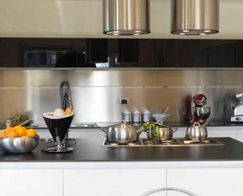 фартук-на-кухню-из-металла