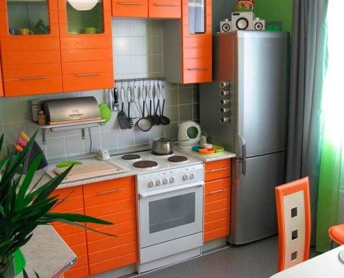 маленькая-оранжевая-кухня