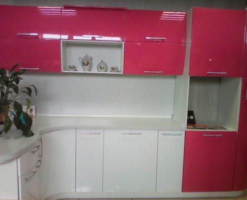 бело-розовая-кухня-фото