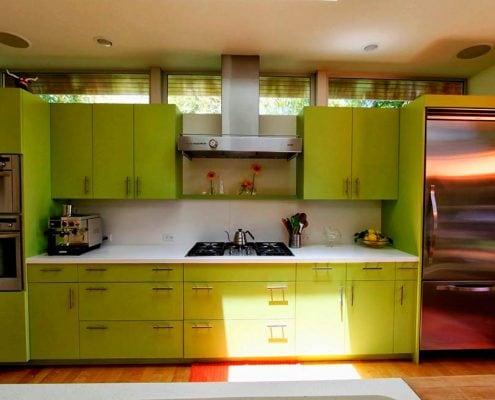 прямая-зелёная-кухня