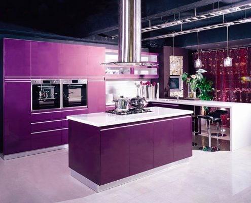 фиолетовый-цвет-кухни-фото