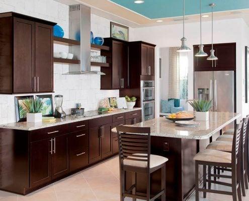 коричневая-кухня-столовая