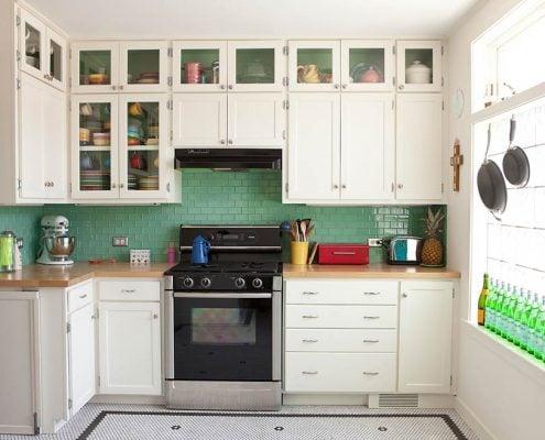 маленькая-кухня-до-потолка