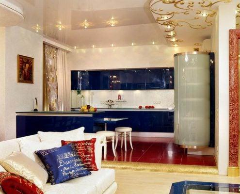 синяя-кухня-с-золотом