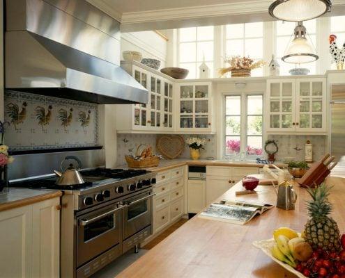 кухонный-гарнитур-в-классическом-стиле