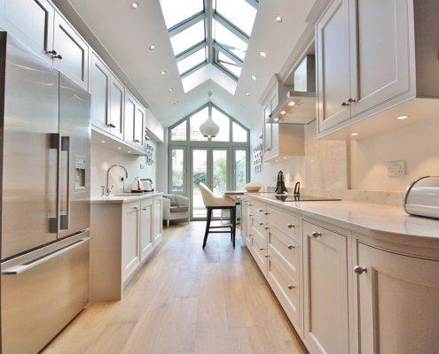освещение-на-узкой-кухне