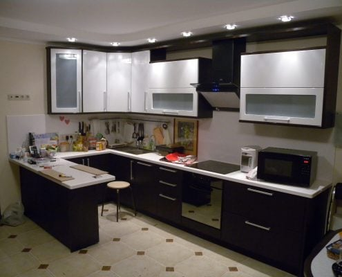п-образная-кухня-студия