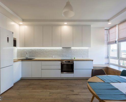 белый-кухонный-гарнитур-вид спереди