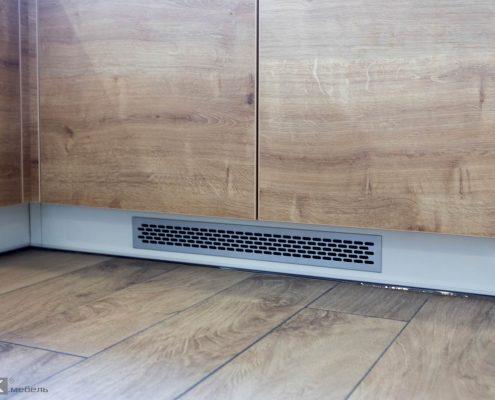 решетка в кухонном цоколе