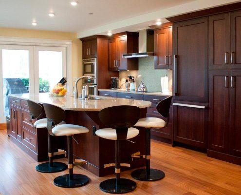 кухни-под-потолок-фото