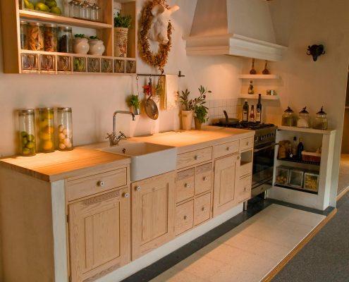 кухня-кантри-без-навесных-шкафов