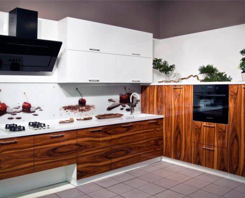кухня-под-дерево-фото