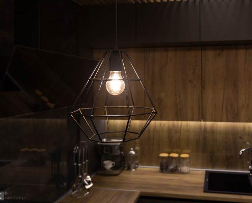 Светильник в лофт стиле над барной стойкой