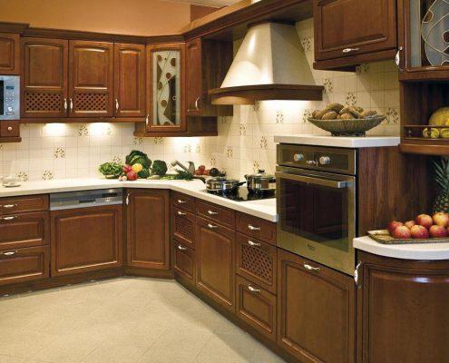 угловые-кухни-в-классическом-стиле