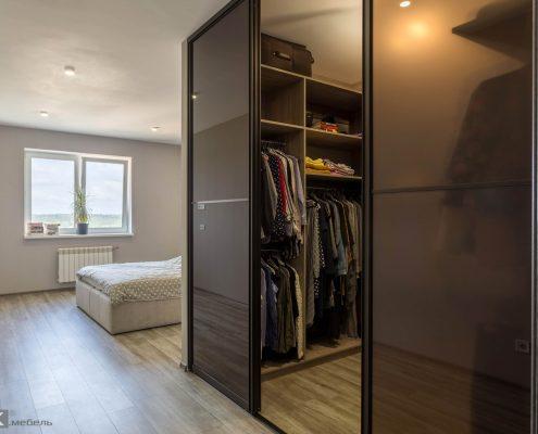 Гардеробная-комната-в-спальне-1005