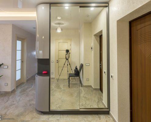 Шкаф-купе-в коридор с зеркалом