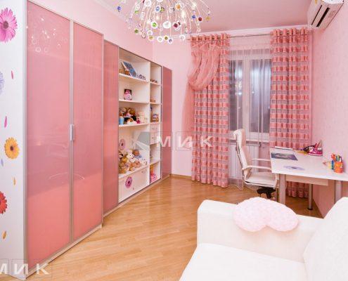 детская-мебель-для-девочки-с-принтом
