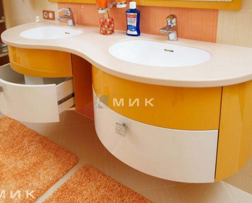 жёлтая-мебель-для-ванной