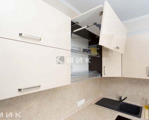 Кухонная-сушка-в-навесном-шкафу-фото