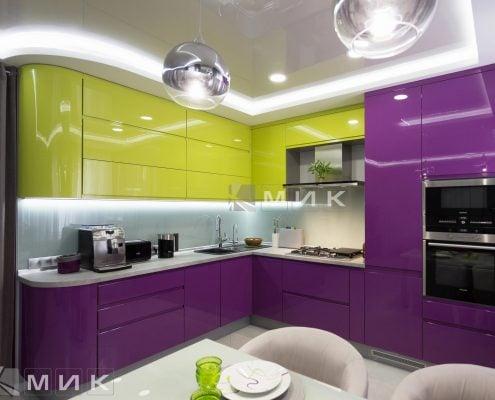 кухонная-подсветка-на-красивой-глянцевой-кухне