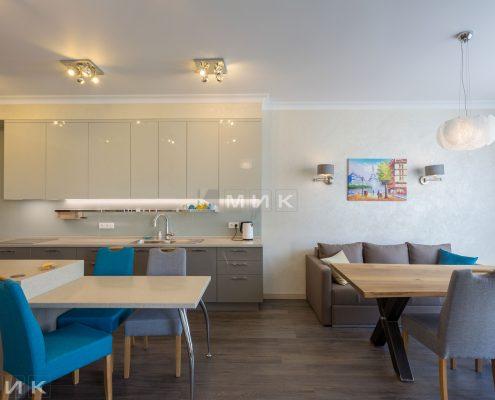 обеденная-зона-кухни-студии