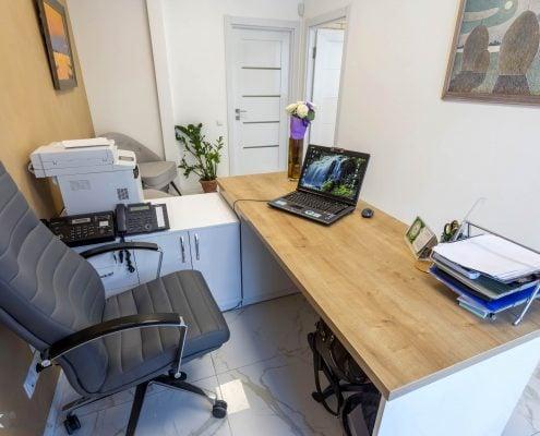 Офисный-стол-секретаря фото