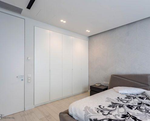 Распашной-шкаф в большую спальню