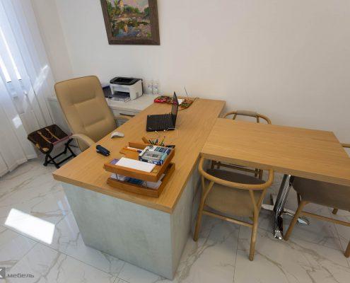 стол с приставкой-руководителя-женщины-1009