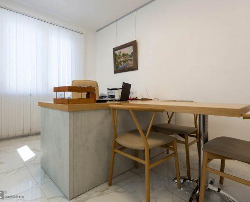 фото стола-руководителя-женщины-1011