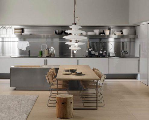кухня-2018-со стальным фартуком-фото