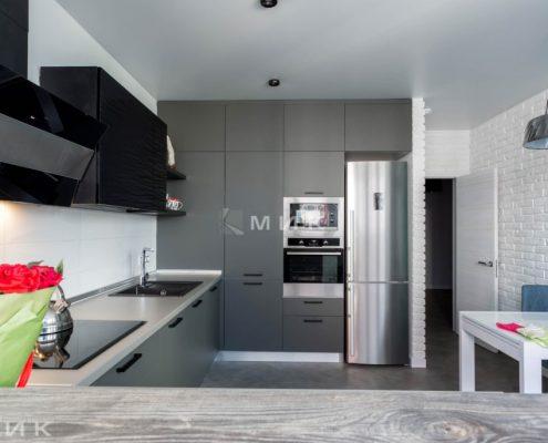 стильная-встроеная-кухня-в интерьере
