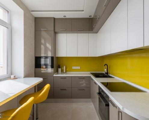 Глянцевая кухня на фото