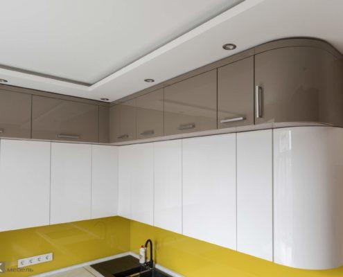 Глянцевые фасады на кухне