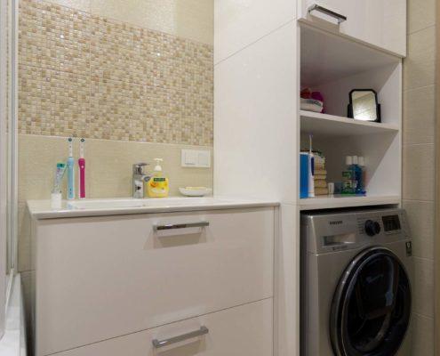 Пенал для стиральной машины в ванной комнате
