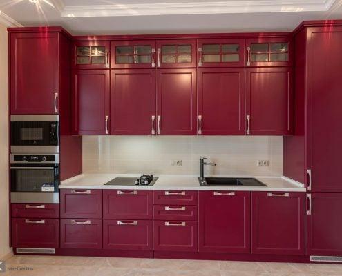 кухня-бордо-на-фото-в-загородном-доме-1001