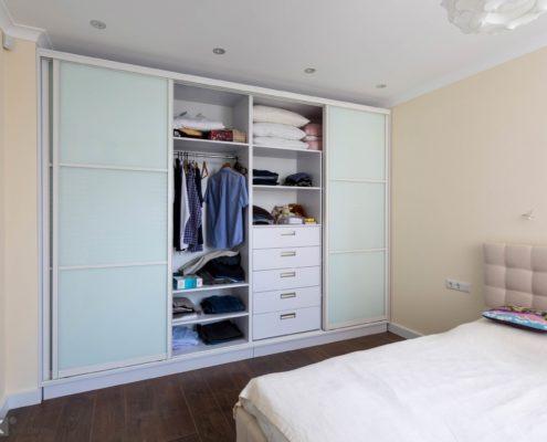 встроенный шкаф-купе-в-спальне--1004